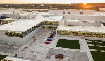 JLR тукушто ја отвори својата нова фабрика во Нитра, Словачка – а таму ќе произведува 100.000 автомобили годишно!